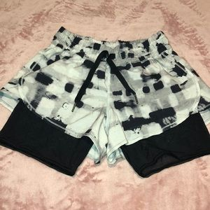 Lululemon dot short